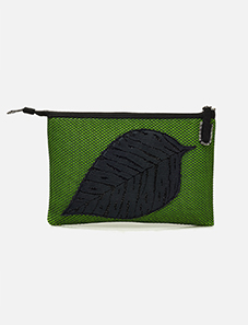 Kamera-Obscura-Feuille-Noire-Clutch-Bag